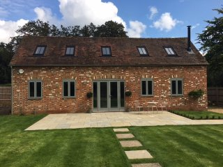 Luxurious, charming newly converted barn, Marlow