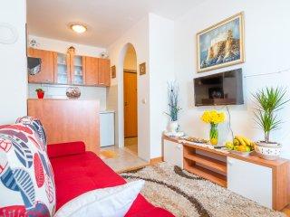 Apt Roberto - One Bedroom Apartment with Balcony, Dubrovnik