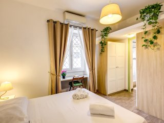 Romantic Testaccio Market Lovely Suite