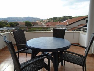 10 minutes walk from the Festival in Tisno TP61A2