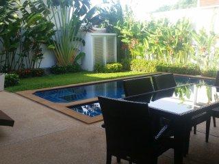 Private 3br Pool Villa with lush garden (NC-V5), Nai Harn