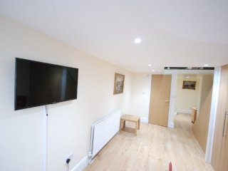 BRAND NEW 1 BEDROOM FLAT ON FINCHLEY ROAD- NW3