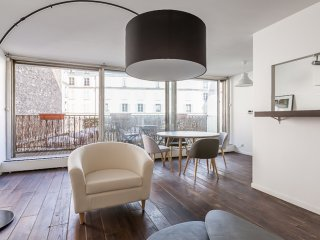 Charming Flat with terrace for 6 - Champs Elysées, Paris