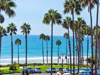 January Special $199/night! Luxury Ocean View vacation rental in San Clemente's Pier Bowl, just steps to the beach!