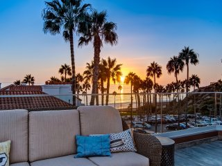February Special $269/night! Luxury, Ocean View Beach Condo Just Steps to Beach and Pier in Pier Bowl!, San Clemente