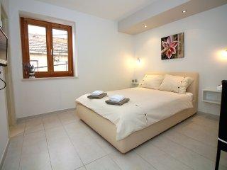 Studio Apartment in Tisno  TP163A2