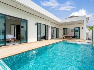 Private 3br Pool with jacuzzi Villa (NC-V12), Nai Harn