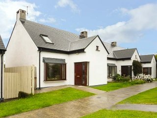 29 ARD CAHER, semi-detached, gardens, WiFi, in Louisburgh, Ref 942405
