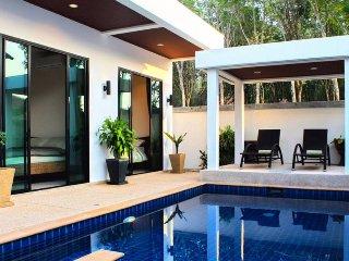 Cozy Tropical Private Pool Villa (IV1-V10), Nai Harn