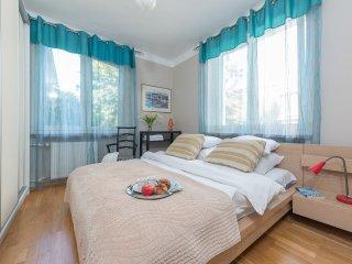 1 BR Apartment PL.BANKOWY 3, Warschau