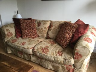 lounge on this settee