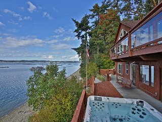 Waterfront Haven with Private Beach and Hot Tub on Whidbey Island(243)