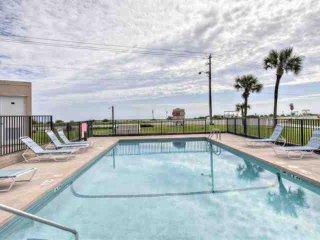 Delightful Ormond By the Sea Beach Condo-4th Floor, Direct Oceanfront View, Swim