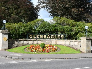 Gleneagles 3 Bedroom Apartment