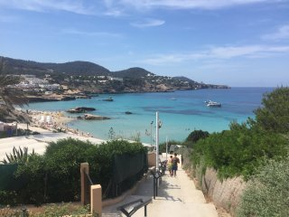 LOVELY AND QUITE APPARTAMENT IN CALA TARIDA, Cala Tarida