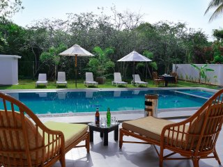 Nature Villa 6 BR Private Holiday Home with Pool