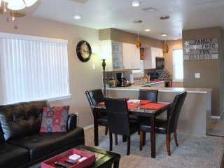 Branson Valley View Beauty 2 Br/2 Ba Condo/Walk In/No Stairs/Indoor Pool/Golf