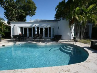 Waterfront, DEAL Aug $3.520/wk-Sept $3.220/wk, Miami Beach