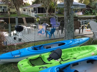MERMAID BUNGALOW-KAYAKS/ ADULT BIKES/PADDLE BOAT INCLUDED!!!, Weeki Wachee