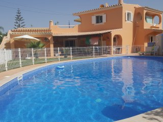 **GAMBELAS FLAG HOUSE** APT.FARO/ GREAT POOL AVAILABLE / BEACH / NATURE