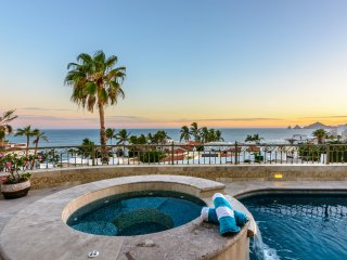 Last Minute Specials and Discounts! 'Hacienda de la Cruz' - 3BR Cabo San Lucas Home w/Private Pool, Personal Concierge Service, Private Beach Access & Breathtaking Views of El Arco, Land's End & the Magnificent Sea of Cortez!
