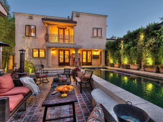 Luxurious Tuscan Villa Near Cedars-Sinai