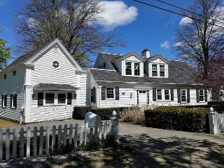 Spacious 3BR, 3BA Home on Boothbay Harbor – Less than ¼-Mile to Brown's Wharf