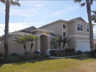 Large beachside retreat for large families & more, Ormond Beach