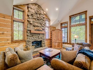 Spacious 4BR Buckhorn Townhouse In Ski-in/Ski-Out Bachelor Gulch Village