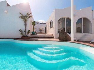 5 bedroom Villa in Las Palmas, Gran Canaria, Canary Islands : ref 2232895, Melenara