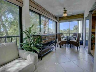 Water View w/Private Beach on Siesta Key, 2 Pools, Clubhouse, Walk to Siesta Key