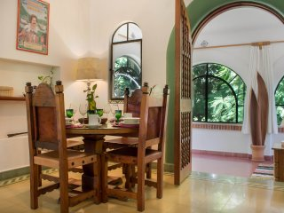 Enchanting Authentic Casita w/Great Pool & Gardens, Cuernavaca