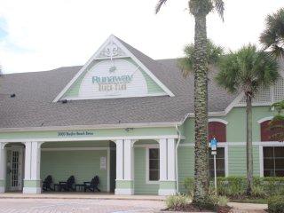 Runaway Beach - 3 Bd Villa (RW8201)