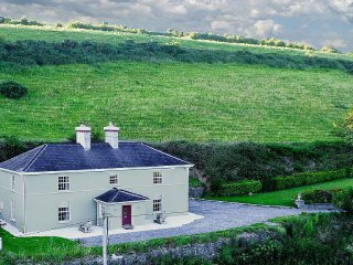 Georgian House, 15 Mins to Cork, Kinsale, Bandon ~ RA90569, Ballinhassig