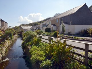43982 House in Falmouth, Ponsanooth