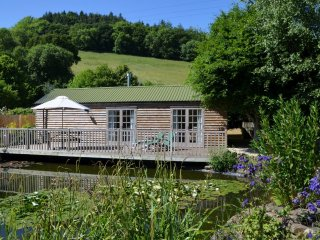 41662 Log Cabin in Barnstaple, Bishop's Tawton