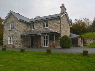 KITEH House in Snowdonia Natio, Llanelltyd