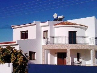 Fig Tree Luxury Villa with Private Pool, Kiti