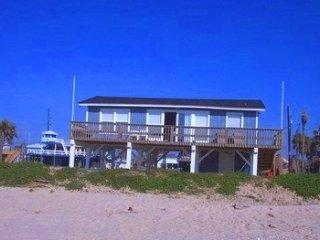 Beachfront in Jamaica Beach!- See Haus, Galveston