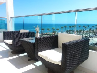 2b Beachfront Boutique apartment - Finikoudes Beach
