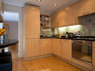 Oasis In The Heart of The City Centre - Sleeps 8