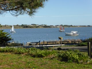 Anembo, tranquillity by the river, Goolwa