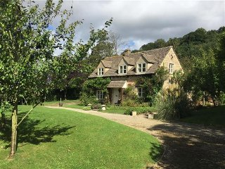 Orchard Cottage, Buckland.