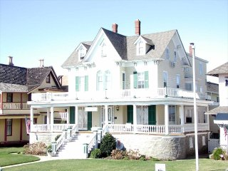 The Baronet 127146, Cape May