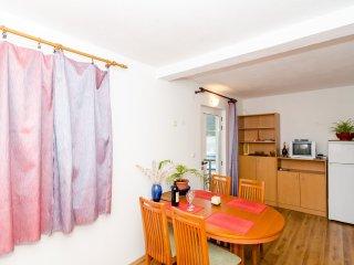 Apts Zuronja - One-Bedroom Apt with Sea View (A), Putnikovic