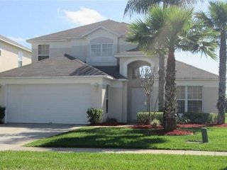 Lake Berkley Villa, Lakefront Pool, near Disney, Kissimmee