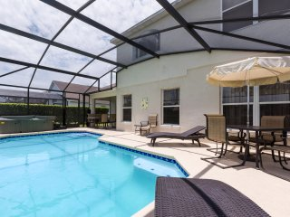 Lake Berkley Villa, Lakefront Pool, near Disney