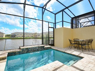 Charming Townhome at Compass Bay with Beautiful Lake View (3111)