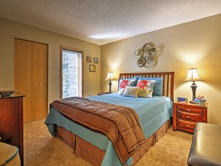 Frisco Condo w/Comm. Amenities on Ten Mile Creek!