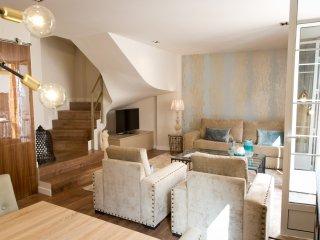 Premium 2 bedrooms with balcony next Larios Street and close Beach Malaga